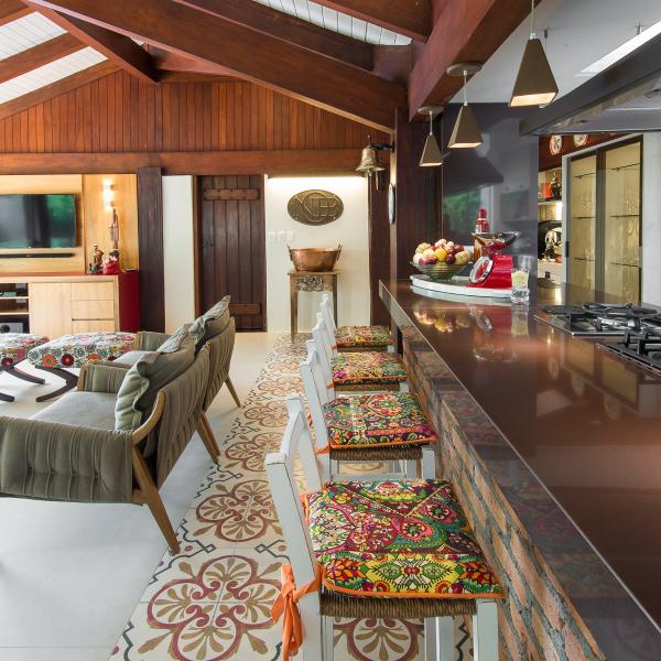 espaco-gourmet-tem-piso-estampado-que-parece-tapete (5)
