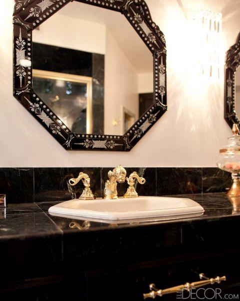 espelho-preto-e-braco-bancada-de-marmore-mad-men-Kimberly Genevieve