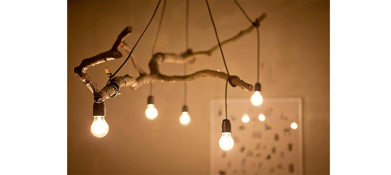galho-de-arvore-como-luminaria-Improvised Life