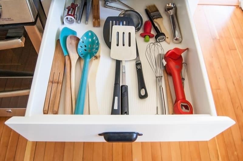 gaveta-de-utensilios-organizada-tutorial-de-divisorias