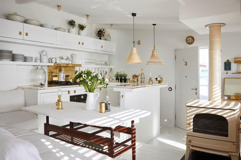 inspiracao-do-dia-cozinha-branca-com-detalhes-dourados