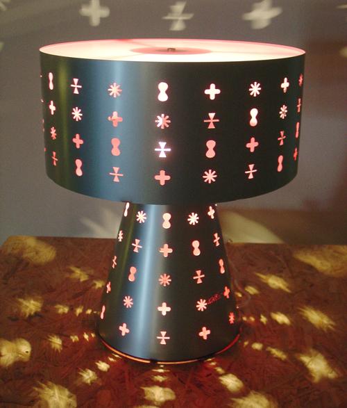 luminária Ikon por Karim Rashid