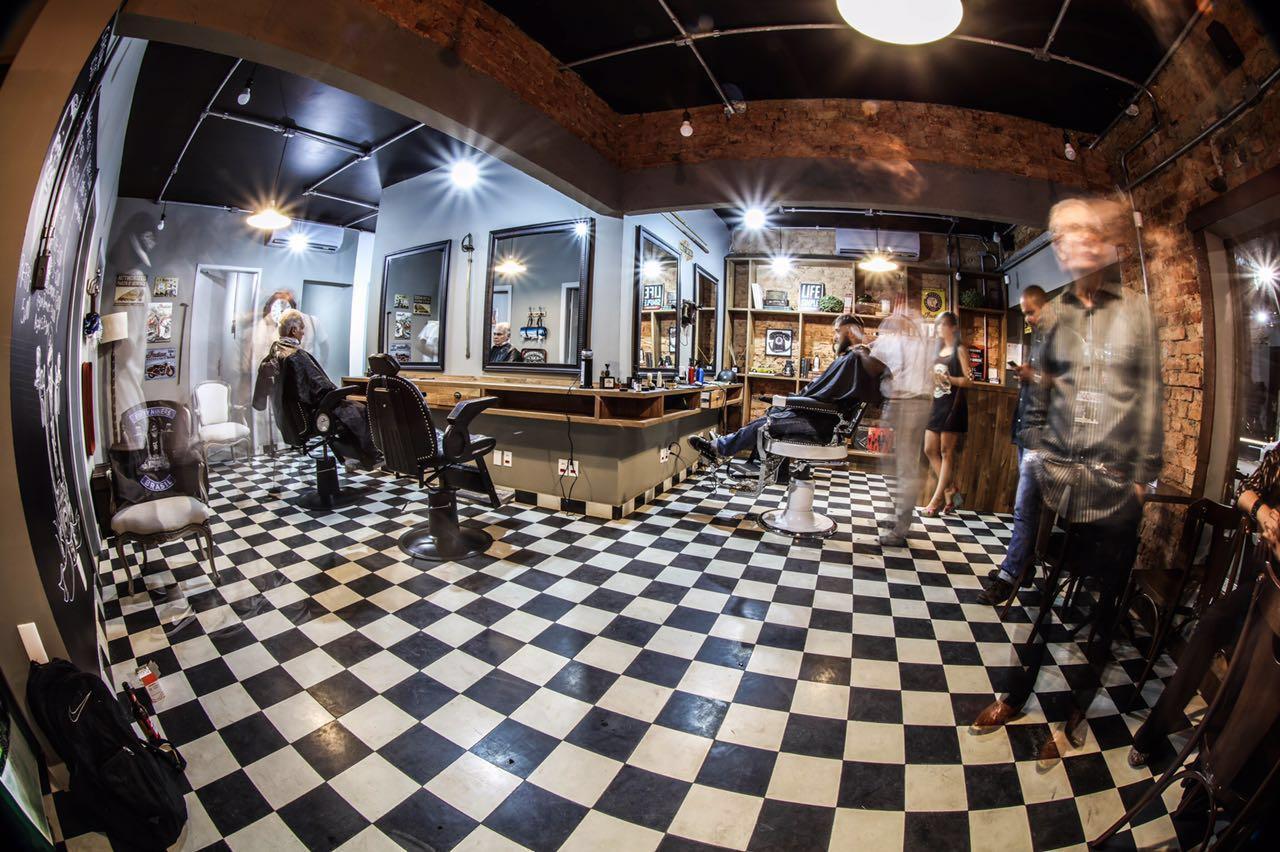 Jack-Navalha-Barbearia-Bar-barbearias-retro-cheias-de-estilo