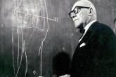 O retrato do arquiteto Le Corbusier está presente na exposição sobre sua v...
