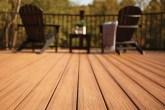 deck-ecologico-feito-de-madeira-e-plastico-tem-manutencao-simples
