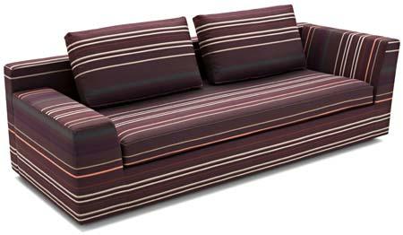 Sem caimento entre o assento e o encosto, o sofá Carbono 12 pode fazer as ve...