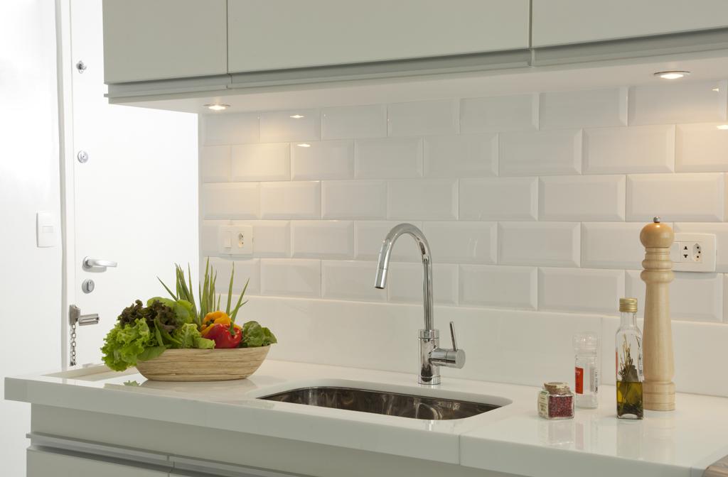 subway-tiles-8-cozinhas-que-apostam-no-revestimento (1)