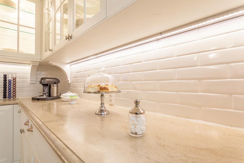 subway-tiles-8-cozinhas-que-apostam-no-revestimento (13)