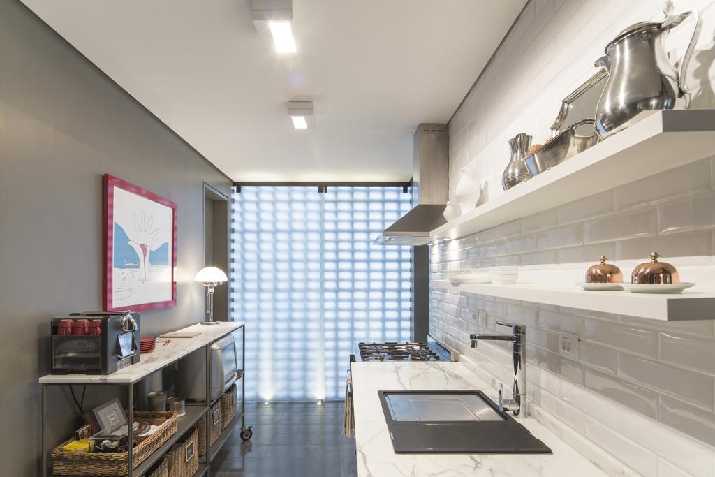 subway-tiles-8-cozinhas-que-apostam-no-revestimento (7)