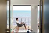 00-modulos-com-camas-compoem-apartamento-frances-de-40-m2