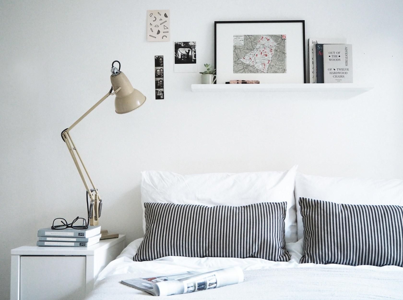 01-prateleira-acima-da-cama-como-decorar