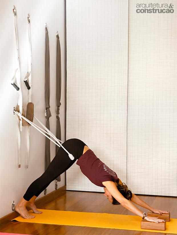 01-garagem-antiga-vira-estudio-de-professora-de-ioga