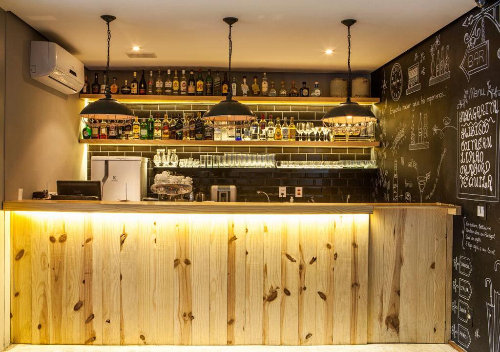 02-arquiteta-consuelo-jorge-assina-reforma-de-restaurante-figo