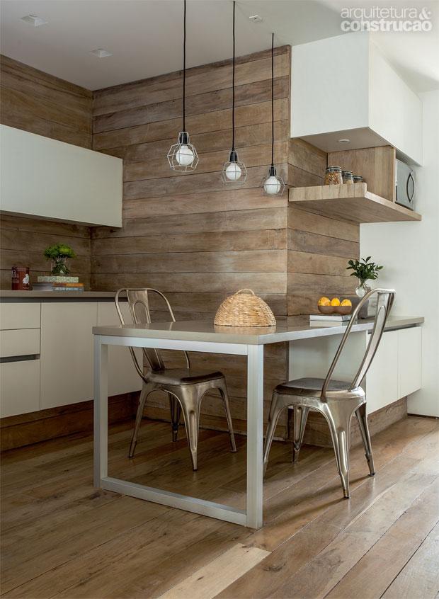 02-madeira-de-demolicao-cozinha-banheiro-escada