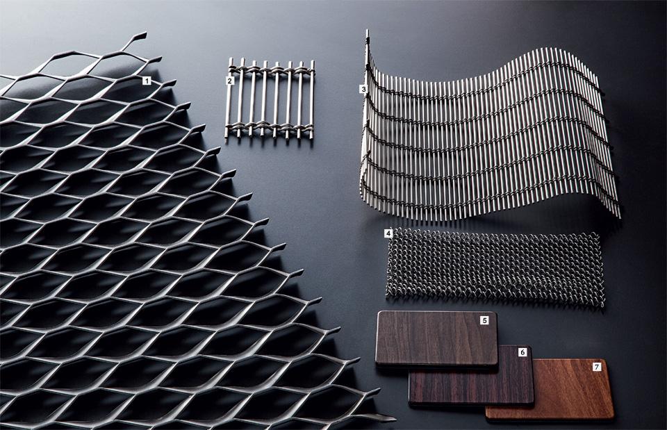 02-perfis-metalicos-em-fachada-de-casa-servem-como-brises