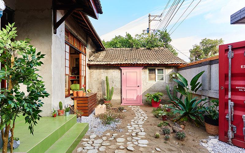 03-predio-historico-em-taiwan-e-transformado-em-casa-com-cara-de-estudio