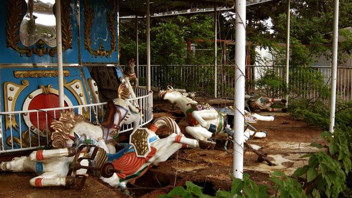 04b-parques-de-diversoes-abandonados-mais-medonhos-do-mundo