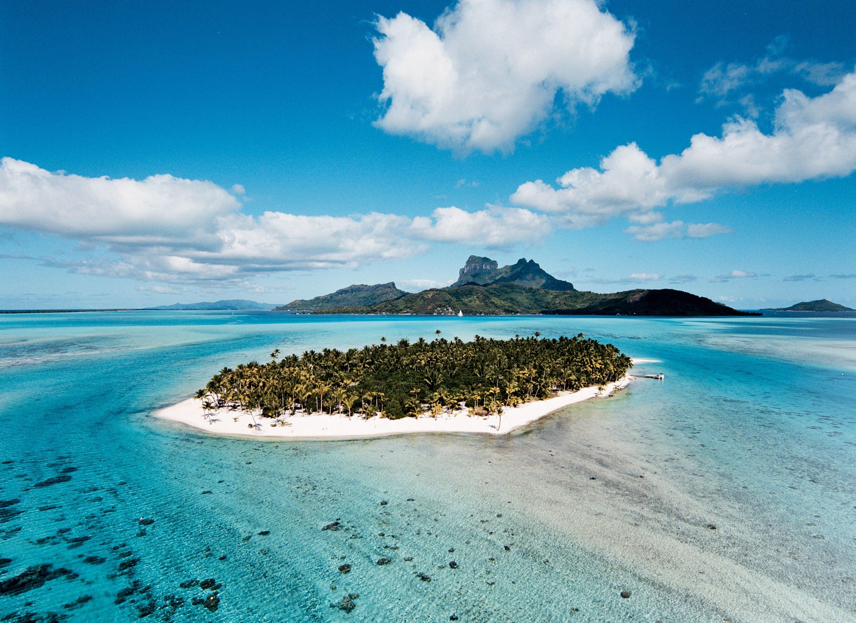 1-francois-nars-coloca-ilha-paradisiaca-na-costa-de-bora-bora-a-venda