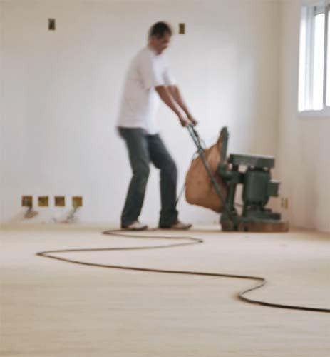 Só após 15 dias da instalação, no mínimo, é que o piso de madeira pode ...