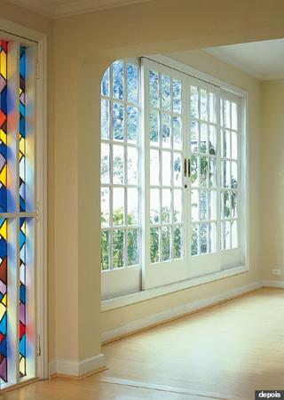 Os acabamentos de cores claras trouxeram luz ao ambiente.