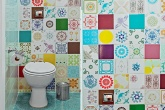 destaque-mosaico-colorido-de-azulejos-da-vida-ao-lavabo