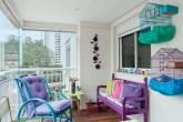 destaque-varanda-de-apartamento-ganha-cores-e-revestimentos-novos