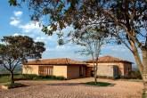 home-nova-refugio-no-campo-tem-tudo-cimento-queimado-tijolos-aparente-e-ladrilhos