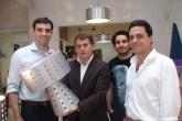 Angelo Derenze ganhou a luminária Ikon assinada pelo designer Karim Rashid. ...