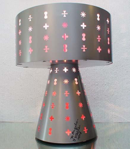 A luminária será fabricada no Brasil pela Vialight e vendida em São Paulo ...