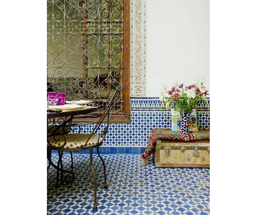 inspiracao-do-dia-patio-super-colorido-no-marrocos