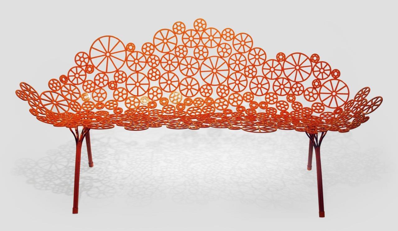 Lançado na Feira de Milão deste ano o sofá Estrela assinada pelos Irmãos Campana chegará em maio à NOVO AMBIENTE do CasaShopping