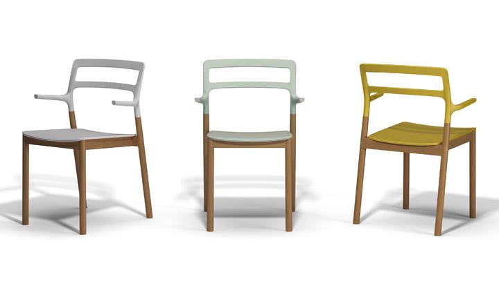 A estrutura desta cadeira é leve e há diversas opções de cores.