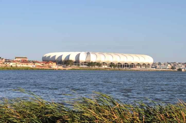 Mais uma vista do Estádio Nelson Mandela Bay em Port Elizabeth