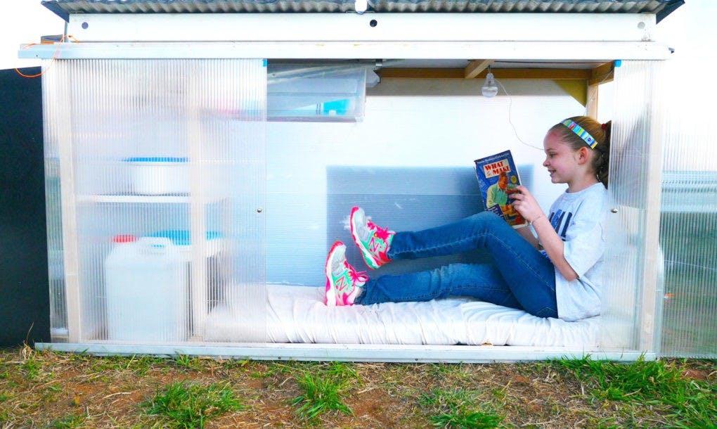 Callie's coop - menina de 10 anos constrói casa compacta com energia solar