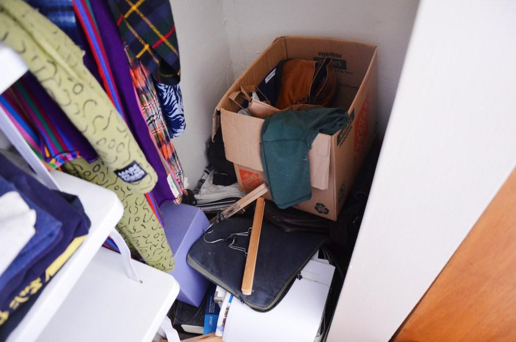 como este casal deu fim na bagunça do armário