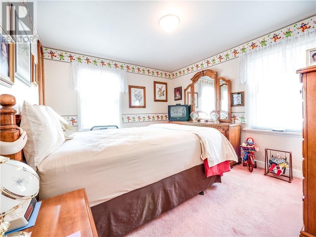 Esta casa é decorada com mais de 1,5 mil palhaços!