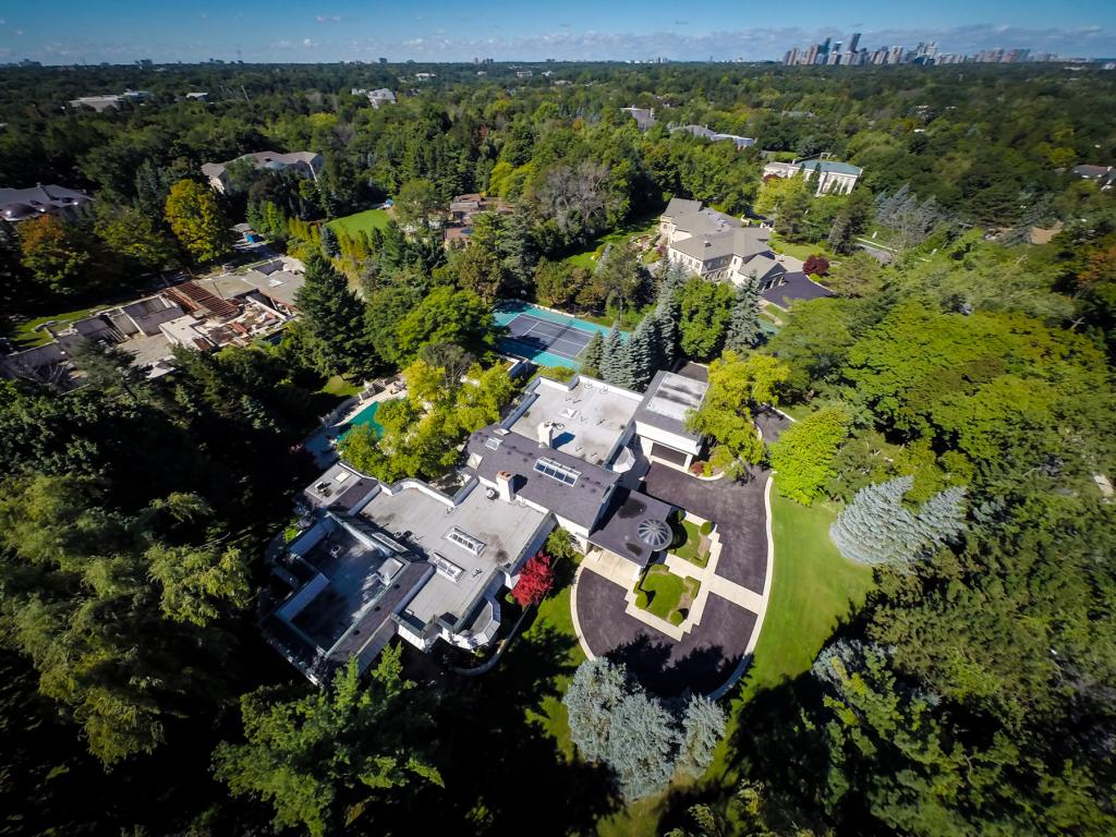 Casa do cantor Prince está à venda no Canadá