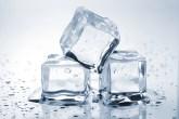 como usar um cubo de gelo em casa