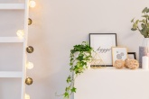 Torne os ambientes internos da casa mais aconchegantes acrescentando uma iluminação diferente