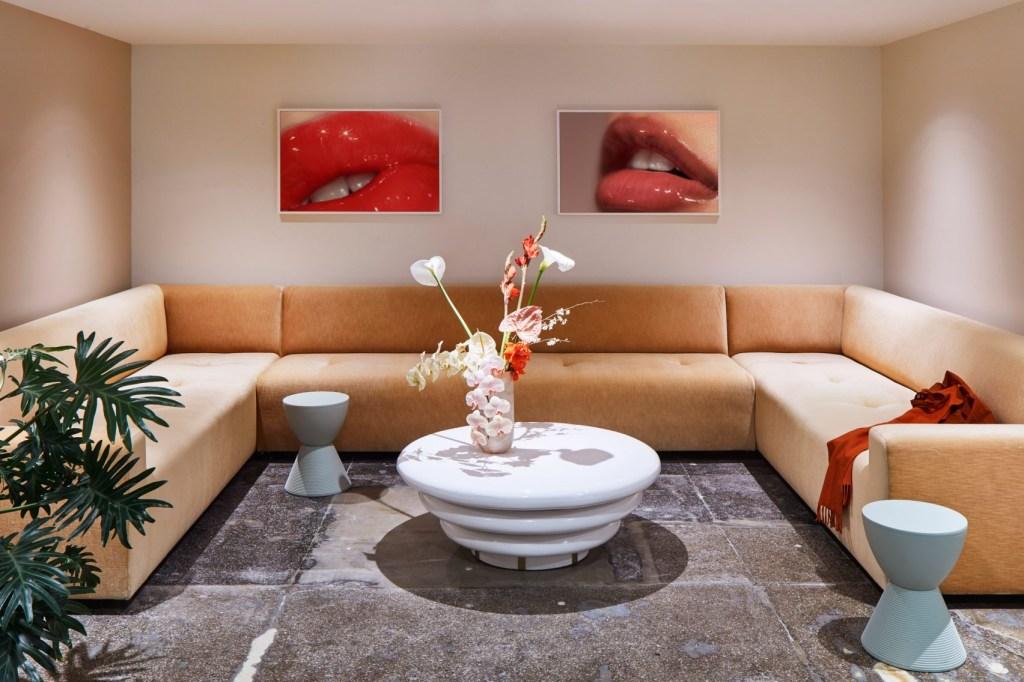 glossier-rafael-de-cardenas-interiors-3
