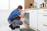 at_living_apartment-repair-person-kitchen