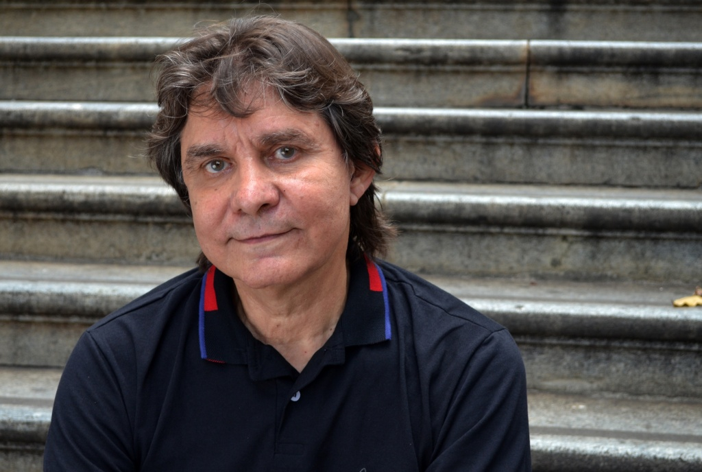 O cantor Lô Borges fará um show virtual para marcar a abertura do evento