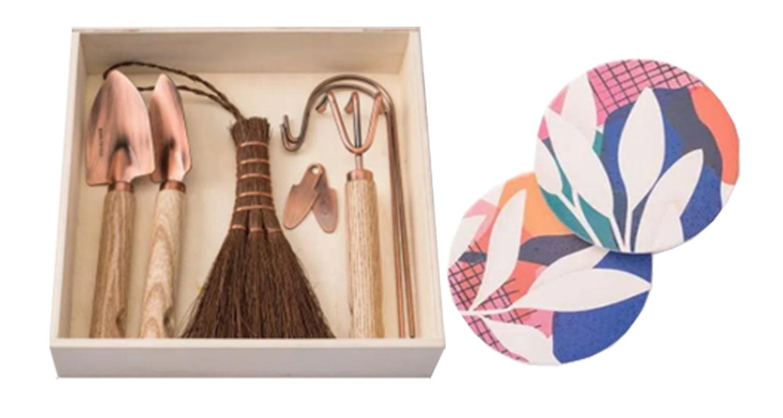 Caixa de madeira com ferramentas para jardim e porta-copos estampados
