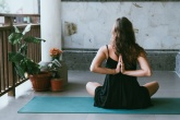yoga-e-meditação-em-casa-avrielle-suleiman