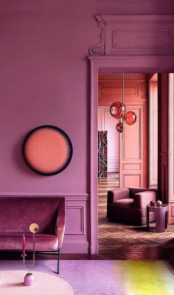 ambiente pintado com tons de rosa