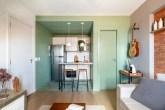 apartamento dúplex com cozinha verde