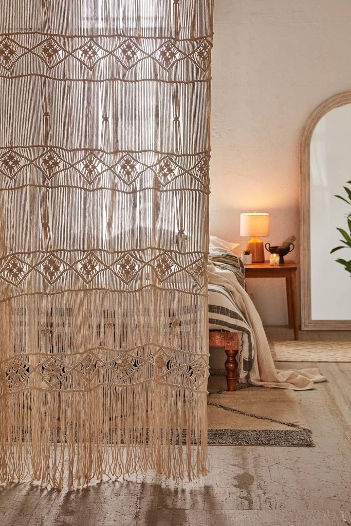 quarto com cortina de macramê