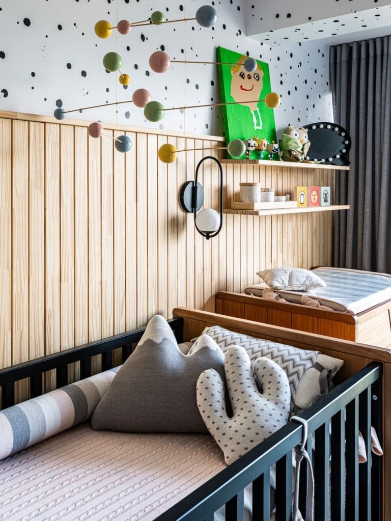 quarto infantil com beliche e berço