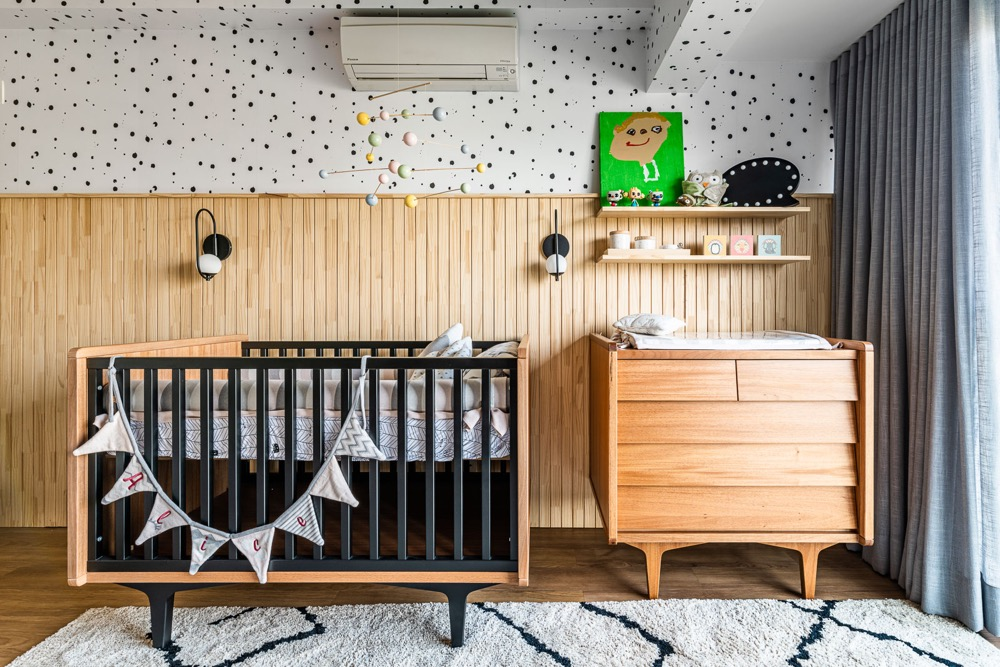 quarto infantil com berço e beliche