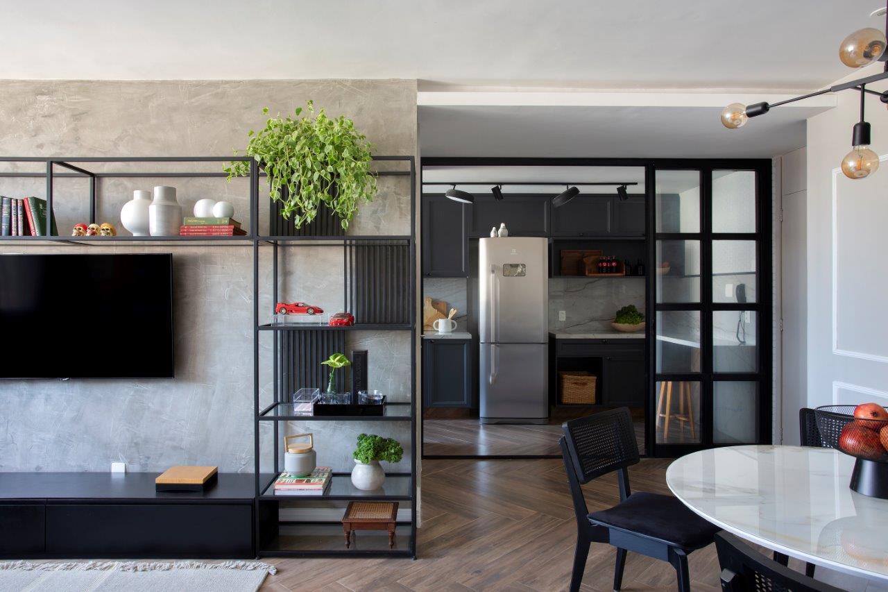 Com 76 m², apê no Rio de Janeiro mistura estilo clássico e industrial